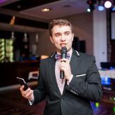 Ведущий Валентин Гиннесс